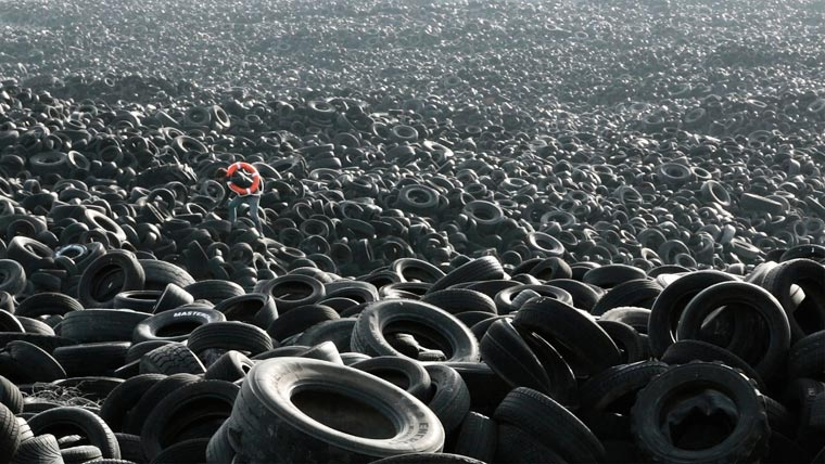 Heavy-Sea-Pejac-pneus