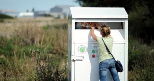 Un PAV, pour point d'apport volontaire. L'étape indispensable pour réutiliser ou recycler les vêtements, linge de maison et chaussures | Photo : ©Eco TLC