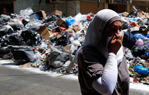 rues-de-beyrouth-poubelle